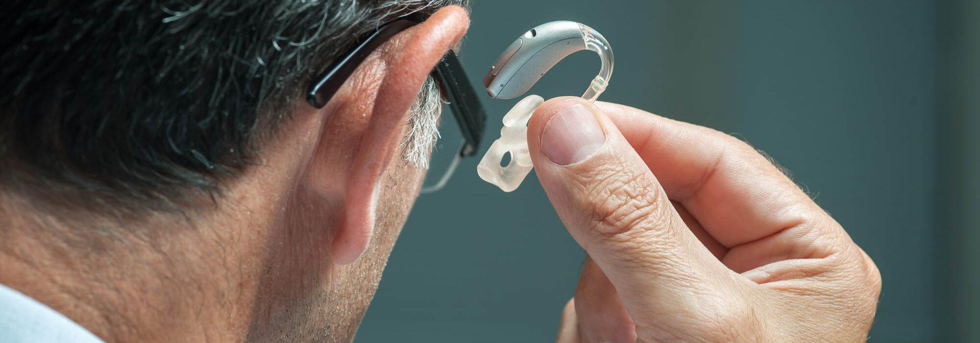 Welches Hörgerät passt zu mir? Das Hörakustik-Team von Heerhorst begleitet Sie zu Ihrem Hörgerät.